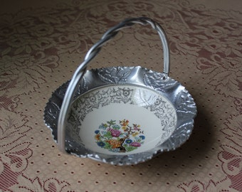 Vintage Hand Hammered Aluminum Candy Dish Farber and Shlevin Brooklyn NY with Pocelain Insert