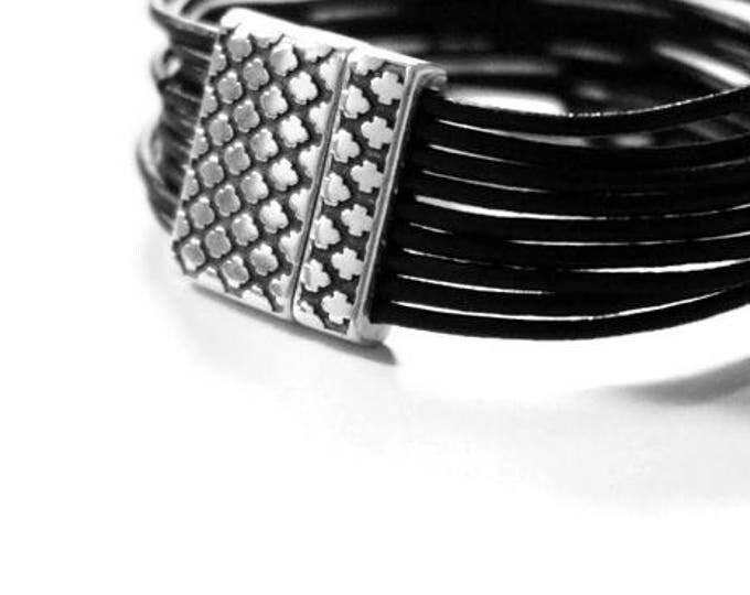Birman Bracelet.