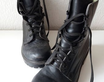 Vintage Leather Army Military Lace Up Boots. Size 6
