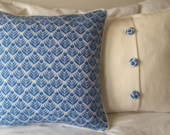 Brand New Seasalt seaside Cushions in the Indigo Flower print 38cm square Pad included