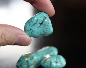 4-5 nugget beads, dyed natural turquoise, 22-25 mm, hole 1 mm, no bead is the same