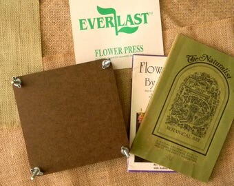 Excellent Condition Never Used Vintage Everlast Flower Press w/Vintage How-To Guides. Plant Press/Leaf Press. Boards, Botting Sheets, Books.