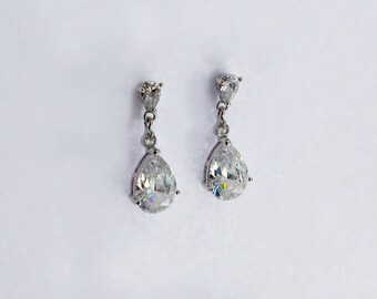 CZ teardrop earrings,Wedding earrings, Crystal earrings, Small drop earrings, Petite earrings, Silver,Prom earrngs, Bridesmaid earrings