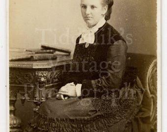CDV Photo Victorian Young Attractive Woman, Hair Up, Pretty Hoop Dress & Bow Portrait - Montrose Scotland -  Carte de Visite Antique Photo