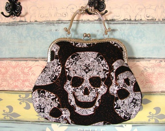 Vintage evening clutch purse with skulls, kiss lock purse, metal frame purse, purse with handle