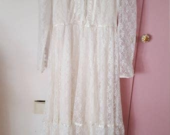 1970s Gunne Sax vintage white lace wedding dress