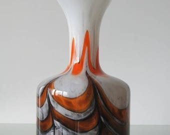 VB Florence Retro vase in the colors orange, grey and brown.