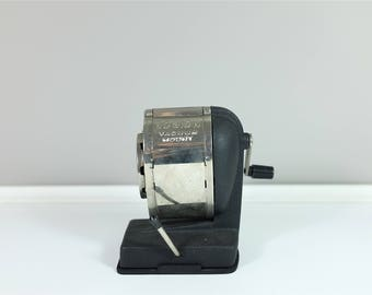 Vintage Boston pencil sharpener vacuum mount eight size setting - Boston mechanical vacuum mount desk pencil sharpener from the 70'