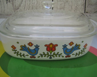 Corning Ware Country Festival Lidded Casserole Dish
