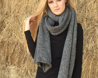 Extra long natural wool scarf in dark grey