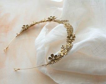Gold floral crown, Gold bridal leaves hair vine, Bridal head piece, Bridal tiara, Grecian crown, Woodland, Gold bridal, Gold floral crown