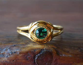 1960s 14K Vintage Bezel Set Green Glass Ring in Yellow Gold