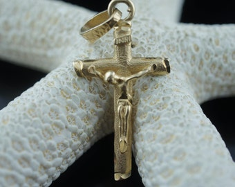 Vintage Jewelry 14k Yellow Gold  Hammered pendant INRI 14K solid Gold Crucifix Cross Religious Pendant 1  3/4''x''  3g  B
