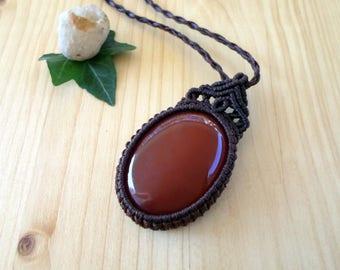 Carnelian macrame pendant, macrame jewelry, carnelian necklace, macrame stone, gemstone pendant, healing jewelry, hippie pendant