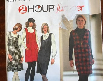 Simplicity 9757 - V, Scoop, or Square Neckline Jumper in At or Above Knee Length - Size XS S M