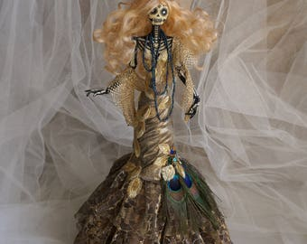 Gothic Art Doll: Marilyn of the Dead. Articulated fashion doll of terror, skeleton, glow in the dark.