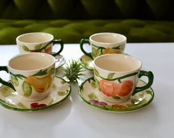 Vintage, Franciscan made in England, set of 4 tea cups and saucers, kelly green, floral, boho, pears and peaches, fruits,tea time, victorian