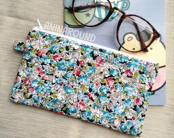 floral pencil case, pencil case, pouch, cosmetic bag, zipper pouch, bag, pencil bag, organizer, small bag.