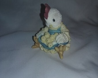 "Vintage Chicken figurine ,"" Don't count your chickens before they're hatched"" Enesco figurine Mary Rhyner- Nadig"