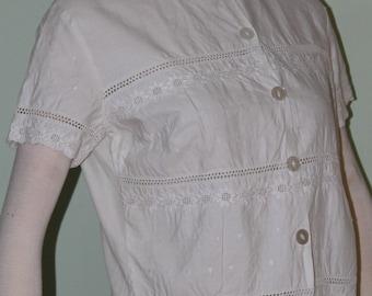 """Plus size, crisp cotton vintage top, 1950's, 39"""" bust"""