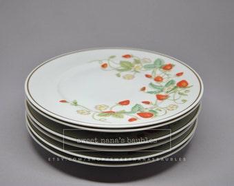 Vintage 1978 Avon Strawberry Porcelain Plates 22K Gold Trim (Set of 6)