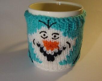 Knitting pattern for Olaf mug cosy