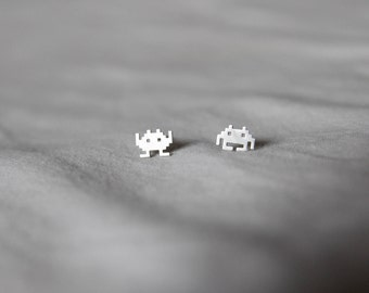 tiny space invaders silver brass stud earrings / vintage / 0.8 x 0.6 cm
