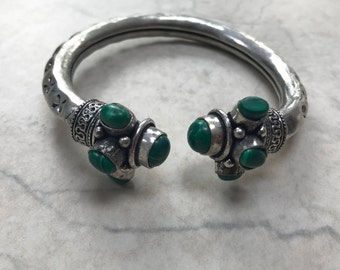 Green/Silver Stone Engraved Bangle
