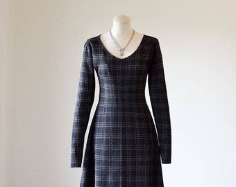 Long Sleeve Deep V-Neck Flare Dress/Office Dress/Dinner Dress/ Simple Dress/ Pullover Dress/ Business Casual Dress