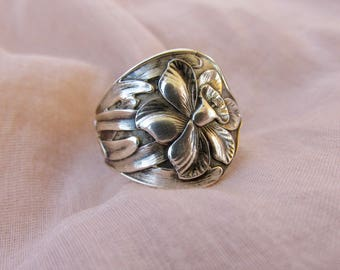 Spoon Ring Daffodil Flower Sterling Art Nouveau Symbolic of Vitality and Energy