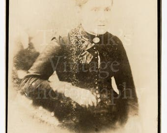 Cabinet Card Photo - Victorian Old Woman Portrait - Unknown Photographer - Antique Photograph
