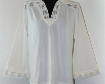 Vintage 1970s White Collared blouse with Bell sleeves