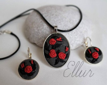 Embroidery necklace Embroidery jewelry set Red roses set Nature lover gift Eco Floral pendant Flower wife jewelry Red mother gift Botanical