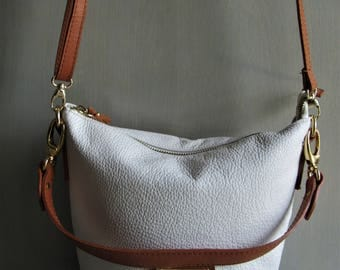 VALENTINA Italy Pristine Vintage Ivory Pebble Leather Tan Leather Trim Cross Body Bucket Bag