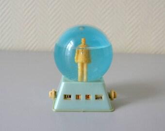 Vintage Perpetual Calendar / french snow globe General de Gaulle