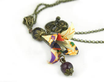 Origami necklace Iris