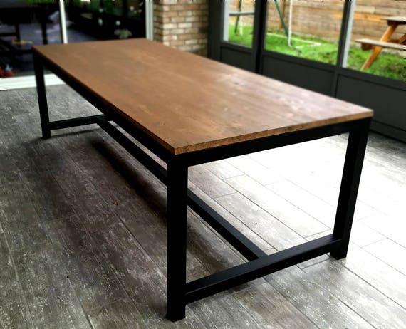 Table de salle manger en acier et bois for Table bois rallonge 12 personnes