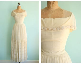 Vintage 1940's Netted Mesh Wedding Gown | Size Small