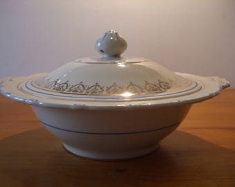 H & K Tunstall retro tureen/serving dish/ covered vegetable dish