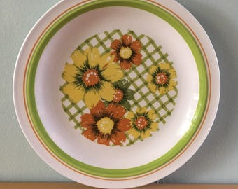 Lovely vintage Nikko white ceramic round cake plate yellow & orange daisy flowers and green rim for tropical Old Florida home!