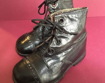 Absolutely Charming Pair of Small Edwardian Children Boots - Size 3