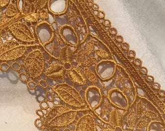 Gold Lace, a embroidered leaf design, 8.5 cms wide. YL005