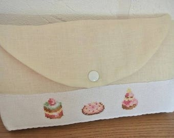 Make-up 'Vanilla' embroidered pastries