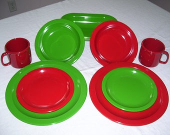 Texas Ware Dallas Ware Melamine Dishes Red and Green Melmac Set of 9  1980s Vintage