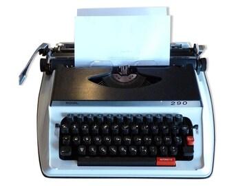 Typewriter vintage Royal 290 with travel case / / Magic' chip