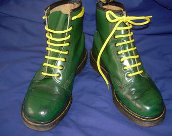 UK 6 green Dr Martens ankle boots - genuine vintage made in England - EU 39 festival fashion