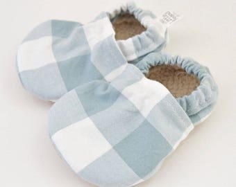 Neutral baby shoes, baby shoes, baby booties, baby moccs, baby slippers, baby gift