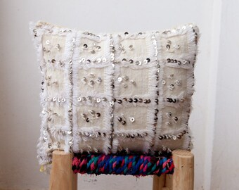 MOROCCAN WEDDING BLANKET Pillow, Moroccan Wedding Blanket Cushion, Vintage Pillow, Decorative Pillow, Handira Pillow, Moroccan Pillow