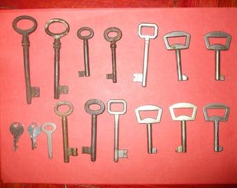 lot of 16 Old Skeleton Keys,Steampunk Gift,Iron Old Keys,Rustic Keys,Antique Skeleton Keys,Art Rusted Keys,Authentic Keys,Retro Gift