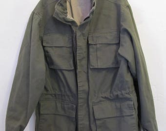 A Men's NICE Vintage 90's,Quilted Olive Green MILITARY Style Coat By STRUCTURE.M